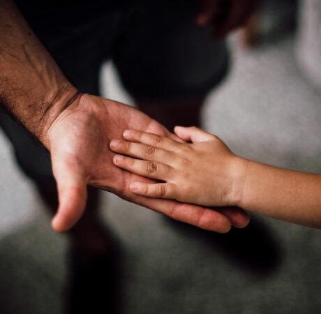 Le congé de paternité est allongé à compter du 1er juillet 2021